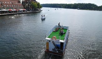 Opis Houseboat